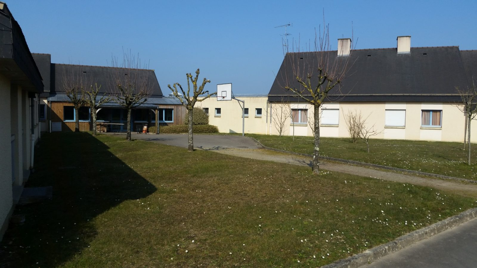 Residence1 (1900x1069)