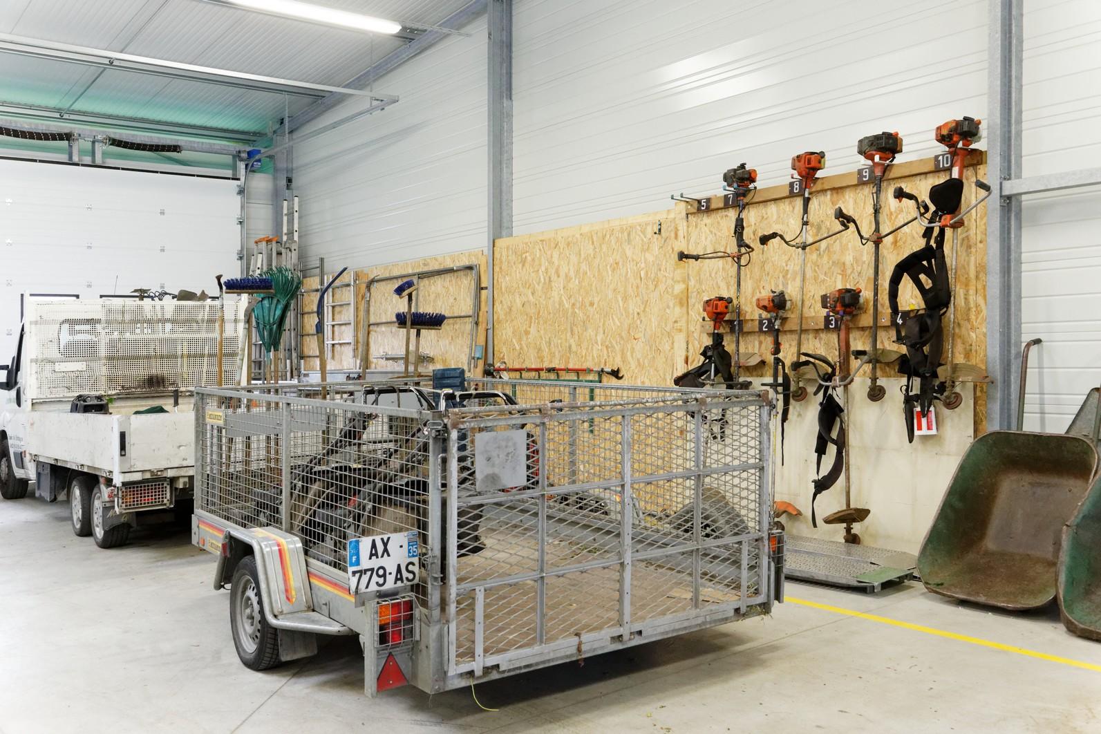 hangar-entreprise-adaptee-3