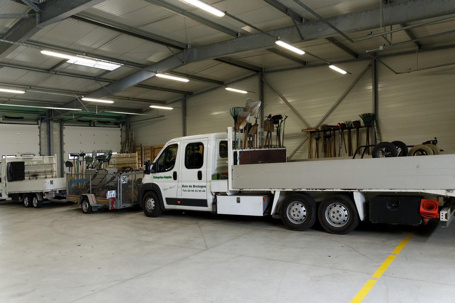 hangar-entreprise-adaptee-2